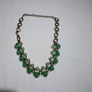 Jewelry - Green & Sliver Beaded Necklace